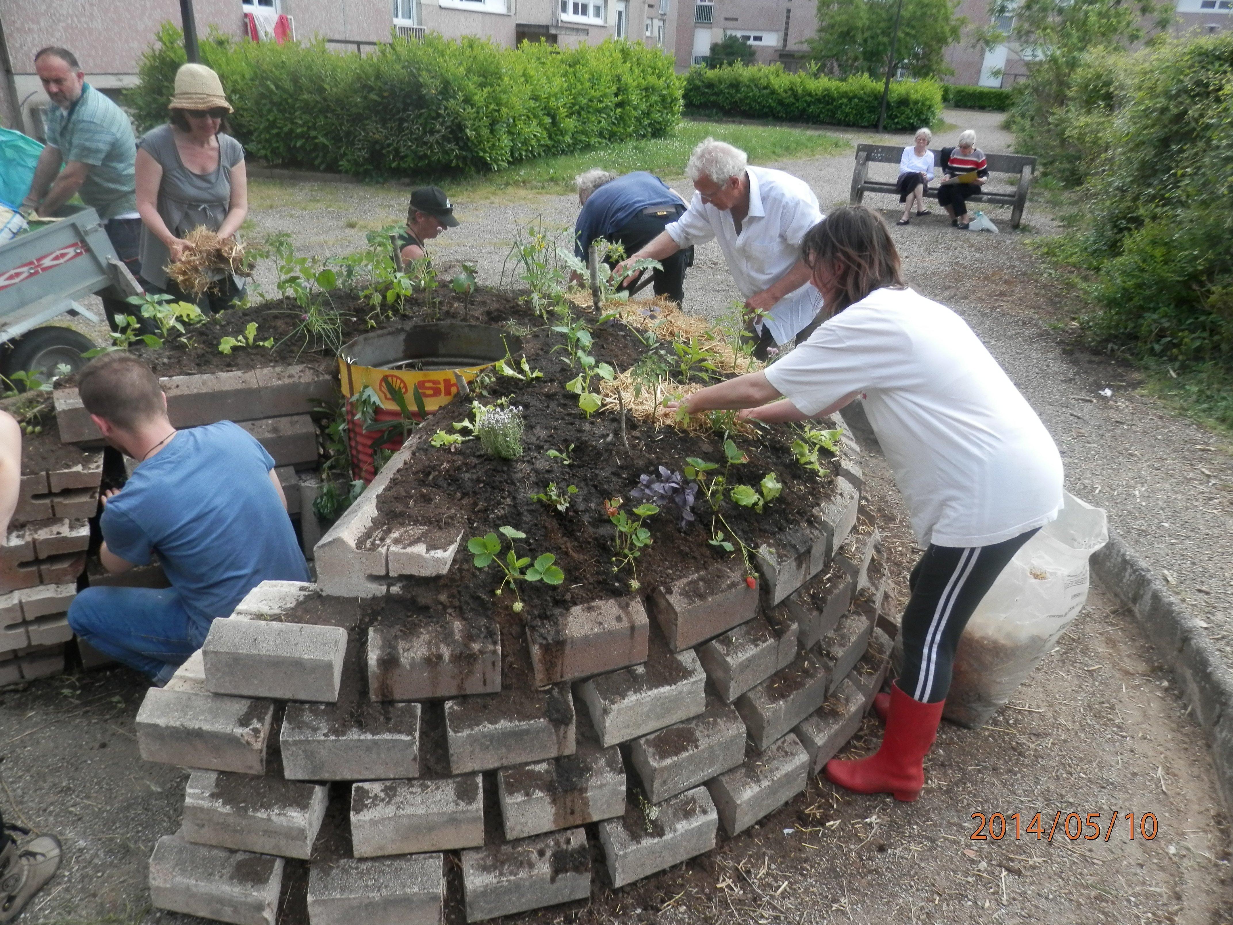 Un jardin en trou de serrure incroyables comestibles gaillac - Garage solidaire gaillac ...